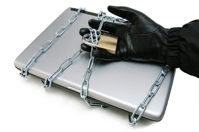 How to Protect a Stolen Laptop From Thieves